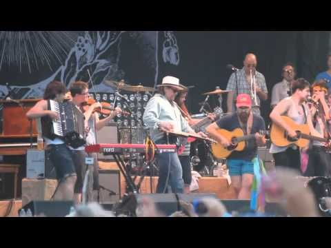 Mumford and Sons sing Amazing Grace!