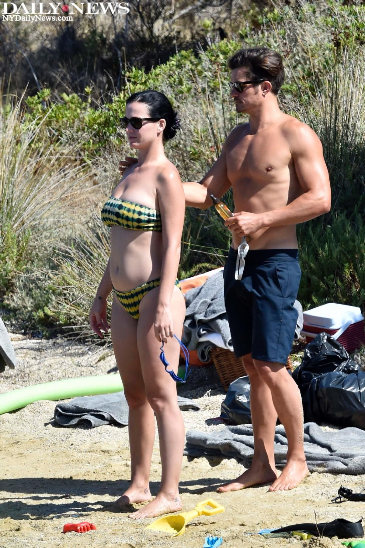 Katy Perry And Beau Orlando Bloom Have A Fun Little Beach Day While Vacationing In Italy Melhor Parte De Mim