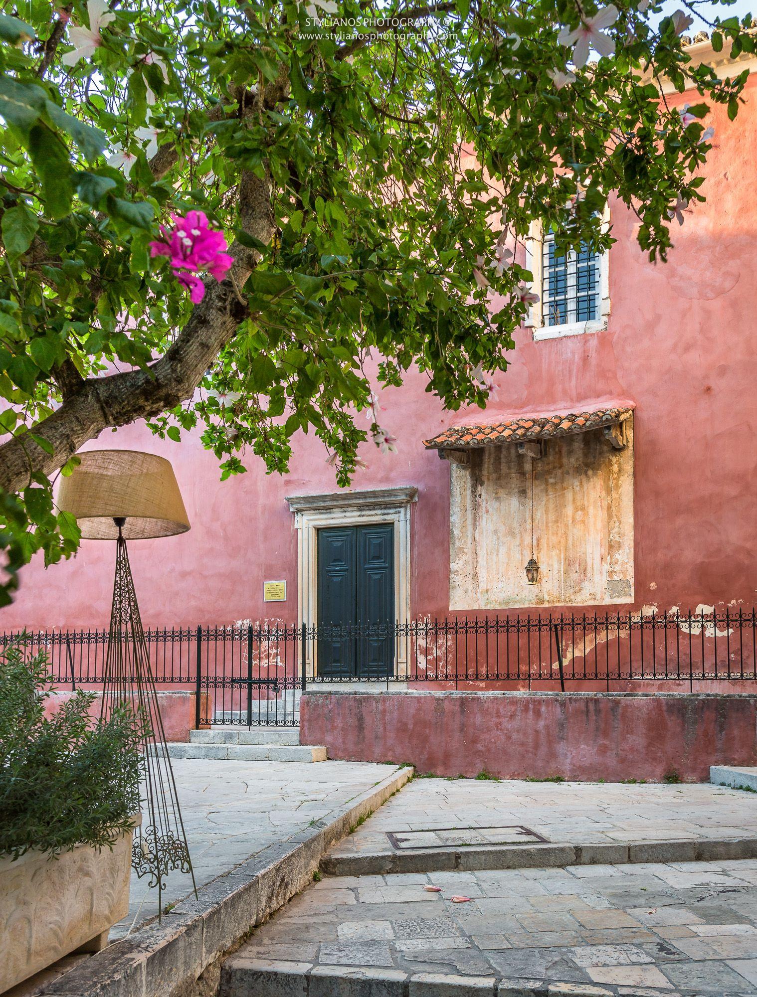 Kremasti - Corfu Old Town #corfu #kerkyra #ionianislands #greece #greeceislands  #travel #traveller  #traveling #tourism #cityshape #cityscapes #stylianosphotography #corfuartphoto #unescohellas #corfuoldtown #fineartphotography #travelawesome #panoramaphoto #cityphotography #citychapes #cityscene #kremasti