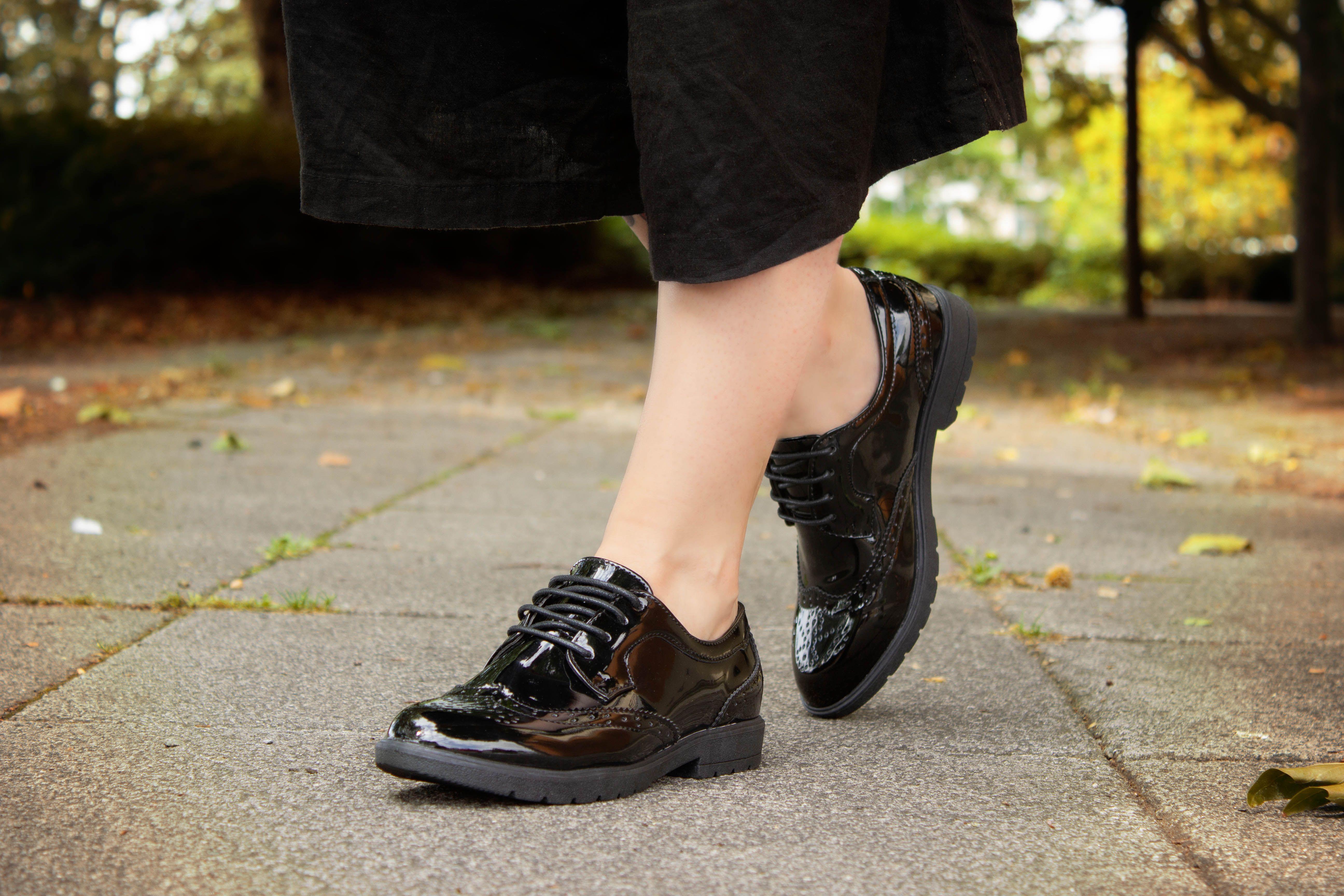 Lilley Womens Black Glossy Brogue Shoe