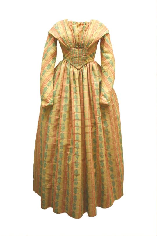 Dress, ca 1845, wool, L: 53in. The Fenimore Art Museum, Cooperstown, New York, Gift of Laura MacElroy, N1366.1943.