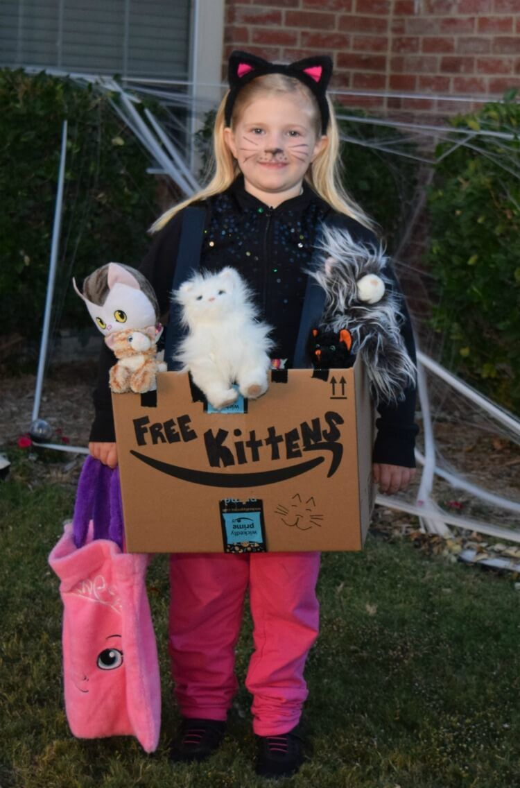 Ad Make A Diy Free Kittens Boxtume With Your Little One As A Kitten Using Diy Halloween Costumes For Kids Halloween Costumes For Kids Diy Halloween Costumes