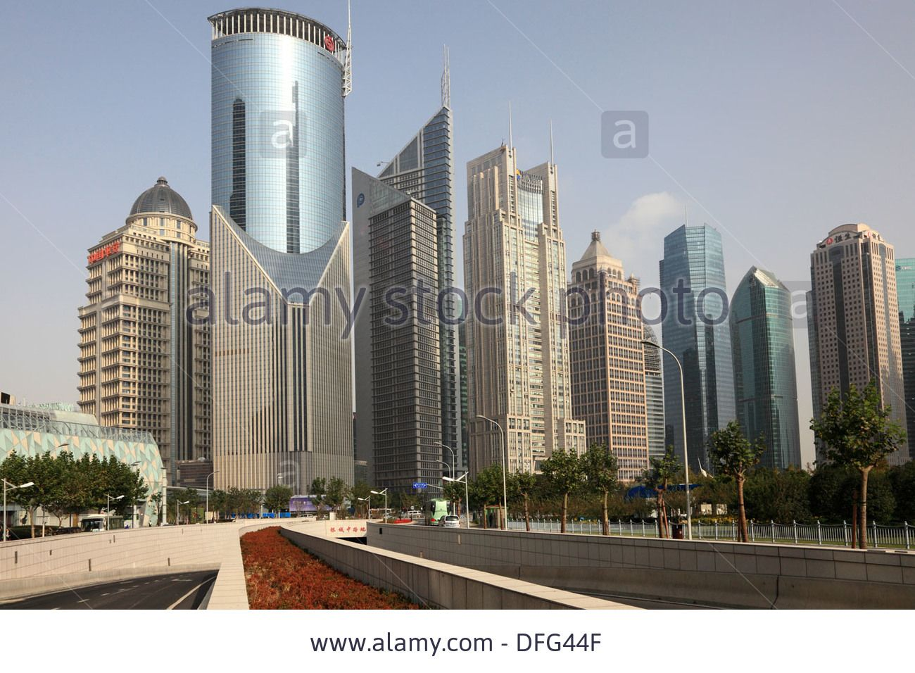 http://c8.alamy.com/comp/DFG44F/highrise-buildings-downtown-in-pudong-shanghai-china-DFG44F.jpg