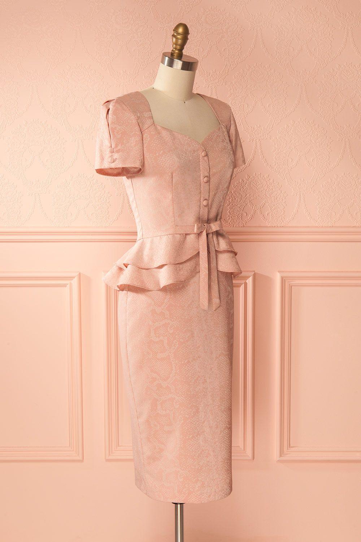 Pink textured fitted retro dress with peplum - Robe rétro ajustée rose texturée à basques