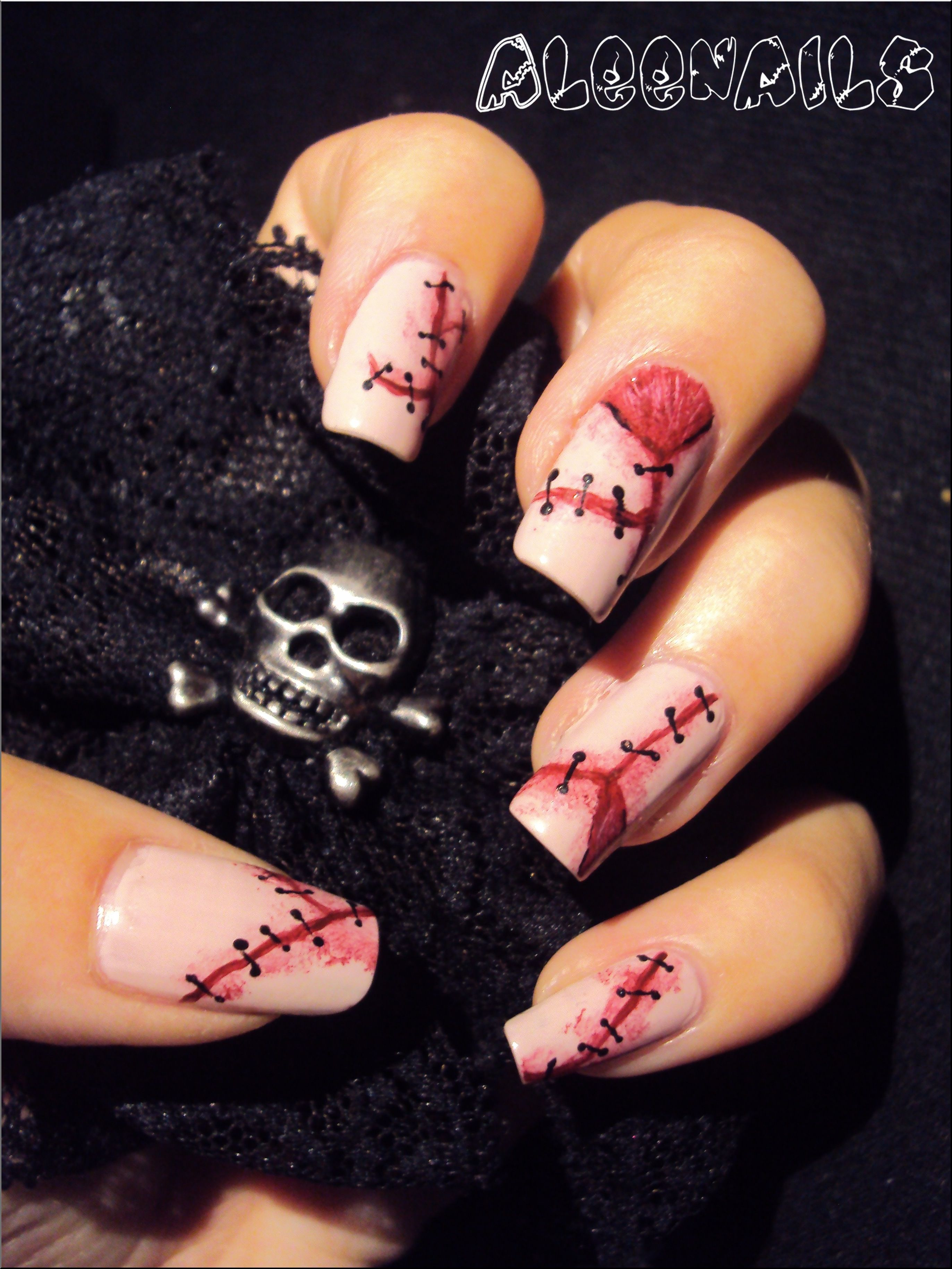 HAPPY HALLOWEEN ! http://aleenails-nail-art.fr/points-de-sutures ...