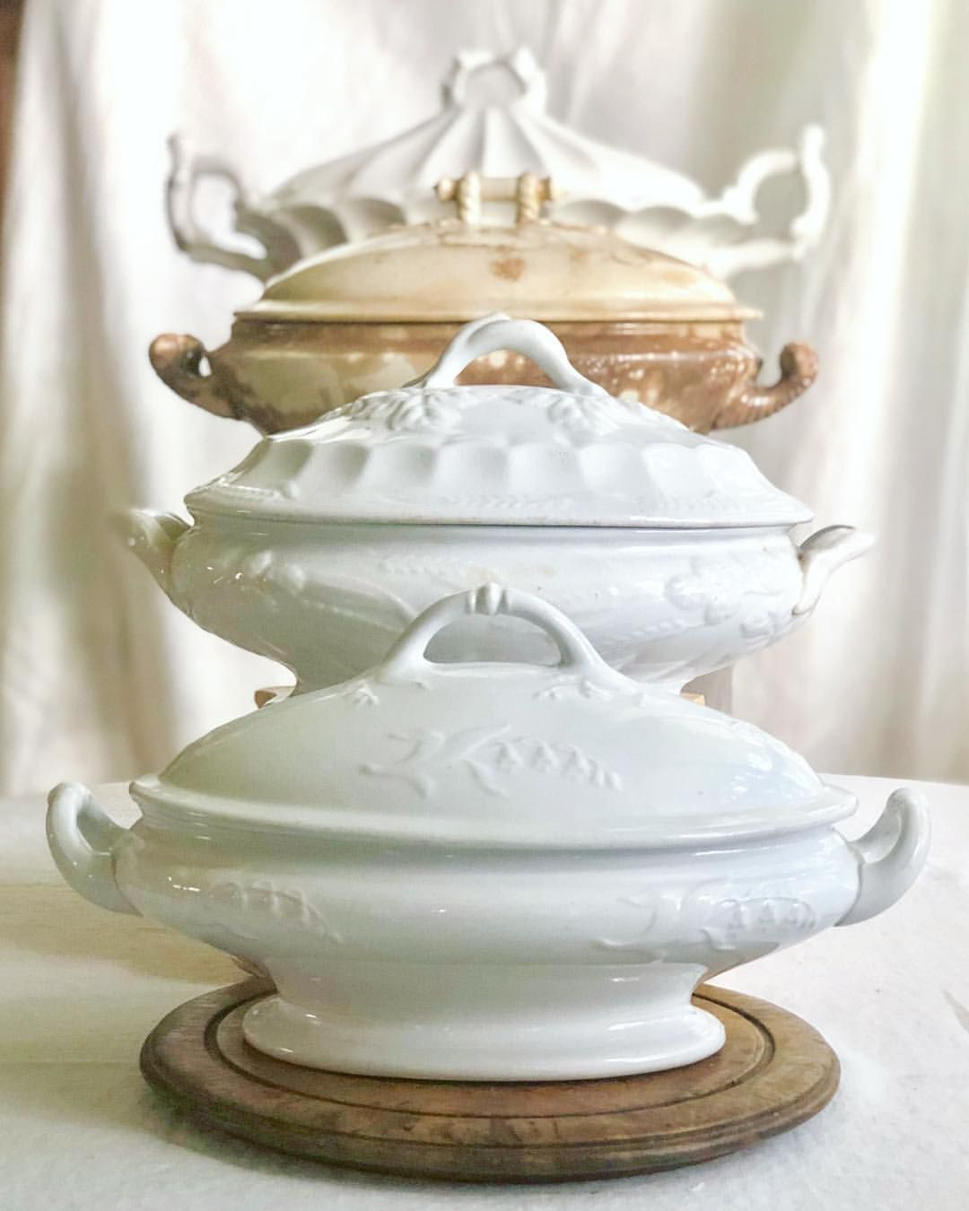 Pin By Diana Vetter Sagir On My Love Of White Dishes Shabby Chic Home Accessories Shabby Chic Homes Vintage Ironstone