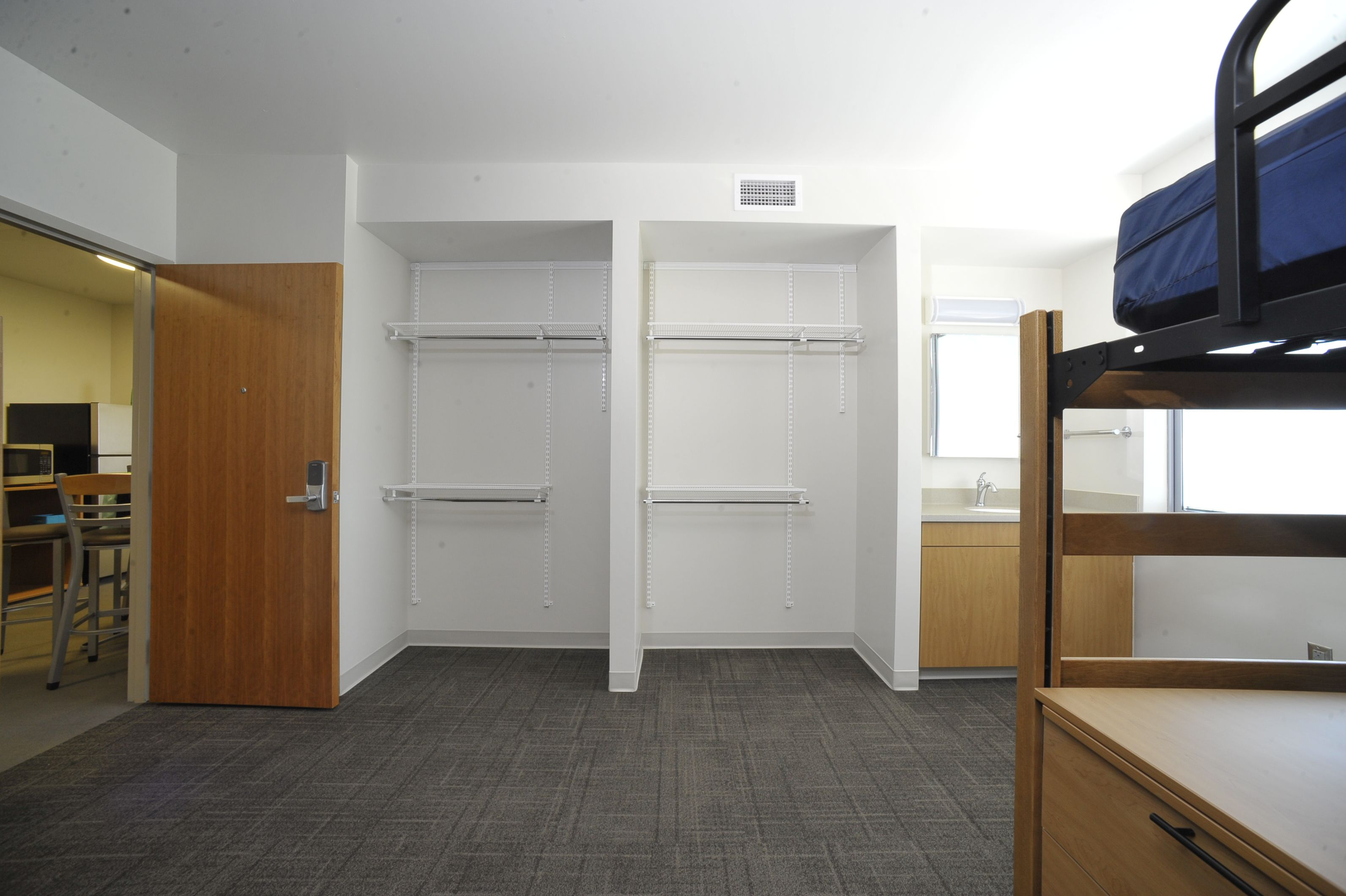 University Of Tennessee Fred D Brown Jr Hall Deluxe Suite University Housing Dorm Room Dorm Inspiration