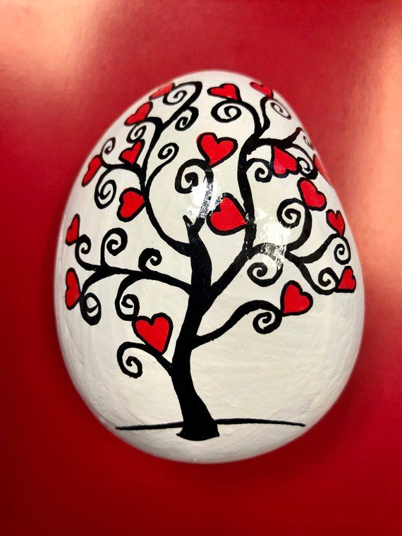 Heart Tree Painted Stone, Anniversary Gift, Engagement Gift, Wedding Date Paperweight, Valentine Gift, Hand-Painted Rocks