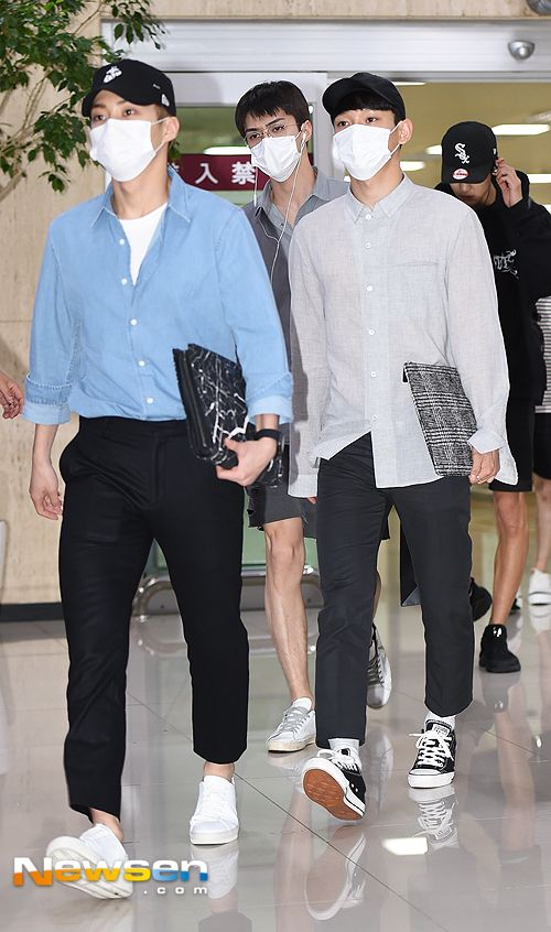 Xiumin, Chen, Sehun - 160816 Gimpo Airport, arrival from Tokyo Credit: 뉴스엔/Newsen. (김포공항 출국)