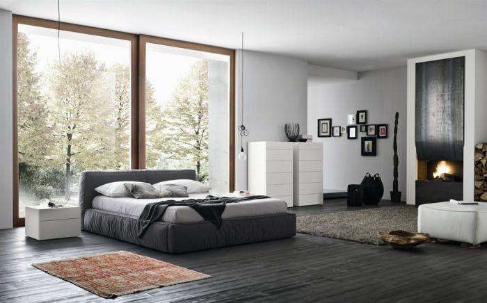 Bodenbelag Schlafzimmer ~ Schlafzimmer grau graues bett dunkler bodenbelag kamin bereiche