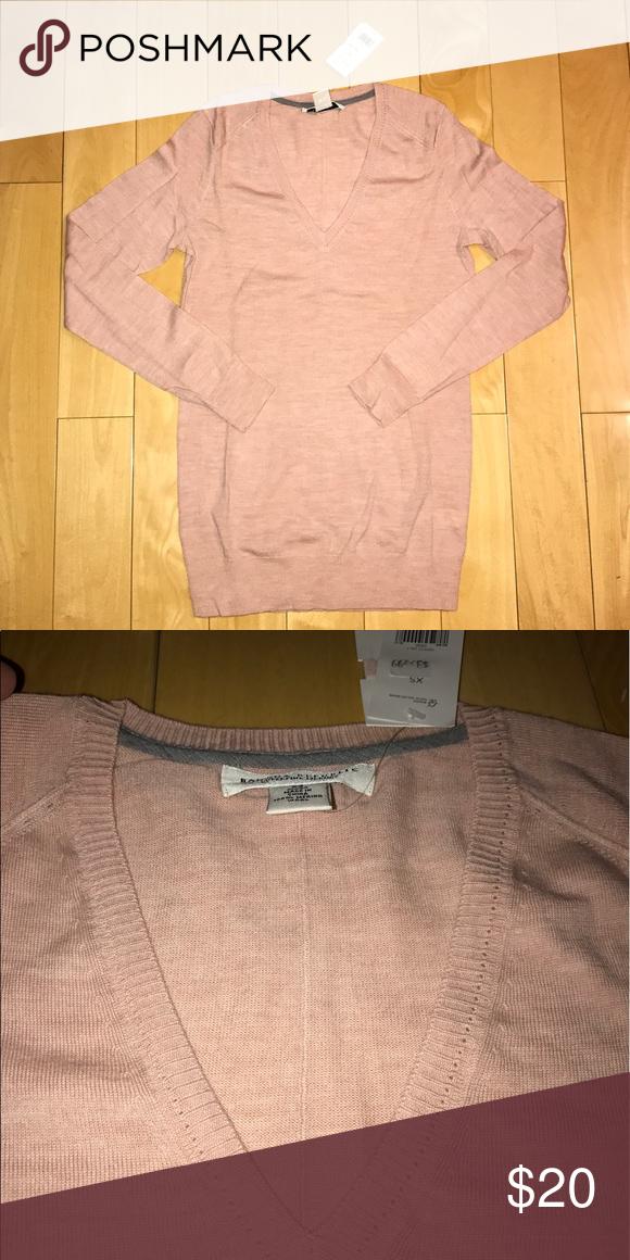 Banana Republic merino wool sweater Brand ew with tag BR superfine merino wool sweater, very soft, baby pink color, slim and long. Banana Republic Sweaters V-Necks