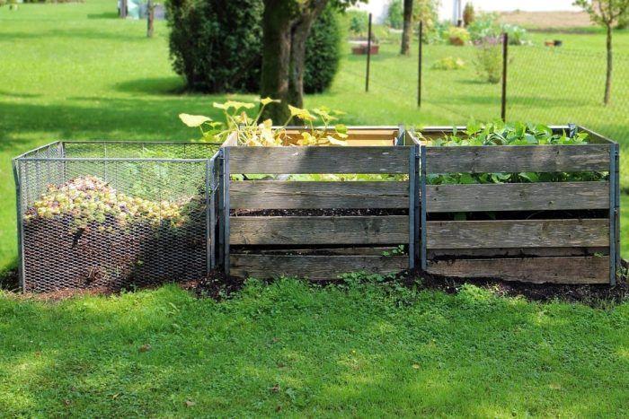 Il compost domestico evita sprechi e arricchisce l'orto biologico. In questo articolo spieghiamo come fare compostaggio creando la vostra compostiera.
