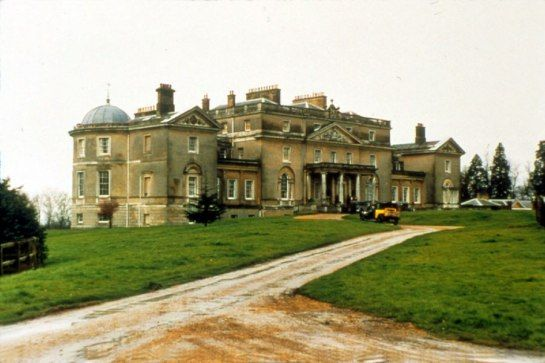 The Castles And Manor Houses Of Cinema S Greatest Period Films Manor House Country Estate English Manor Houses