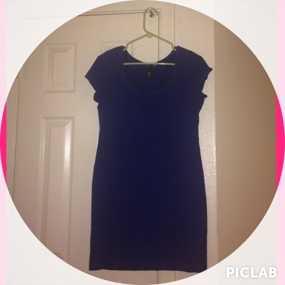 H&M basic blue cap sleeve dress. Pretty royal blue dress. Pre-loved but plenty of life left. This dress is form fitting. H&M Dresses