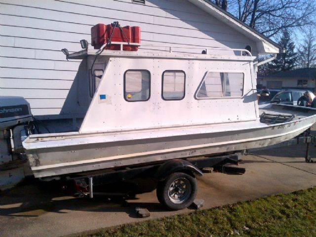18 feet 1974 monark belle jon boat white for sale in for Fish house for sale craigslist