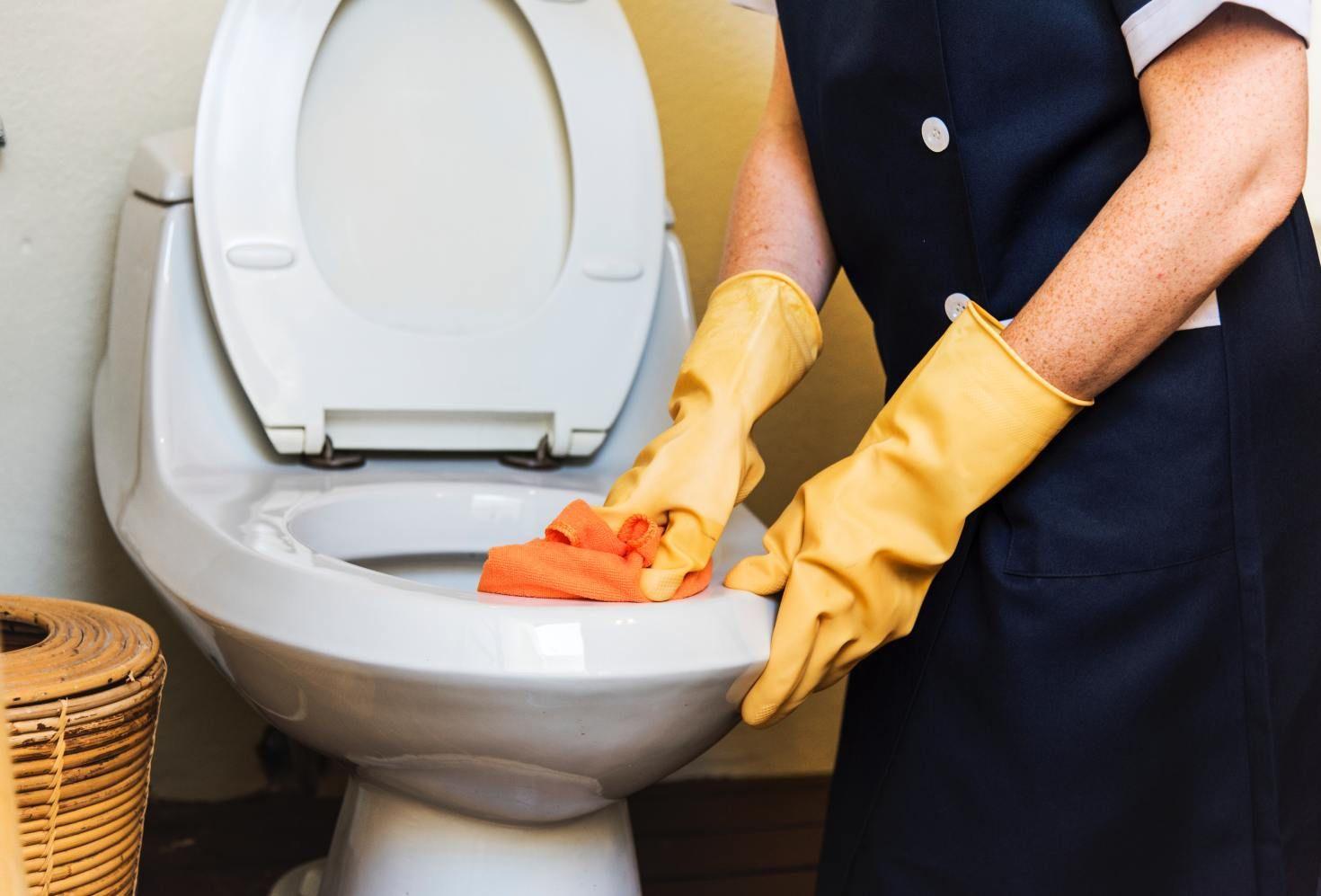 Bathroom Cleaning Hacks Mrs Hinch Bathroom Cleaning Hacks House Cleaning Services Clean House