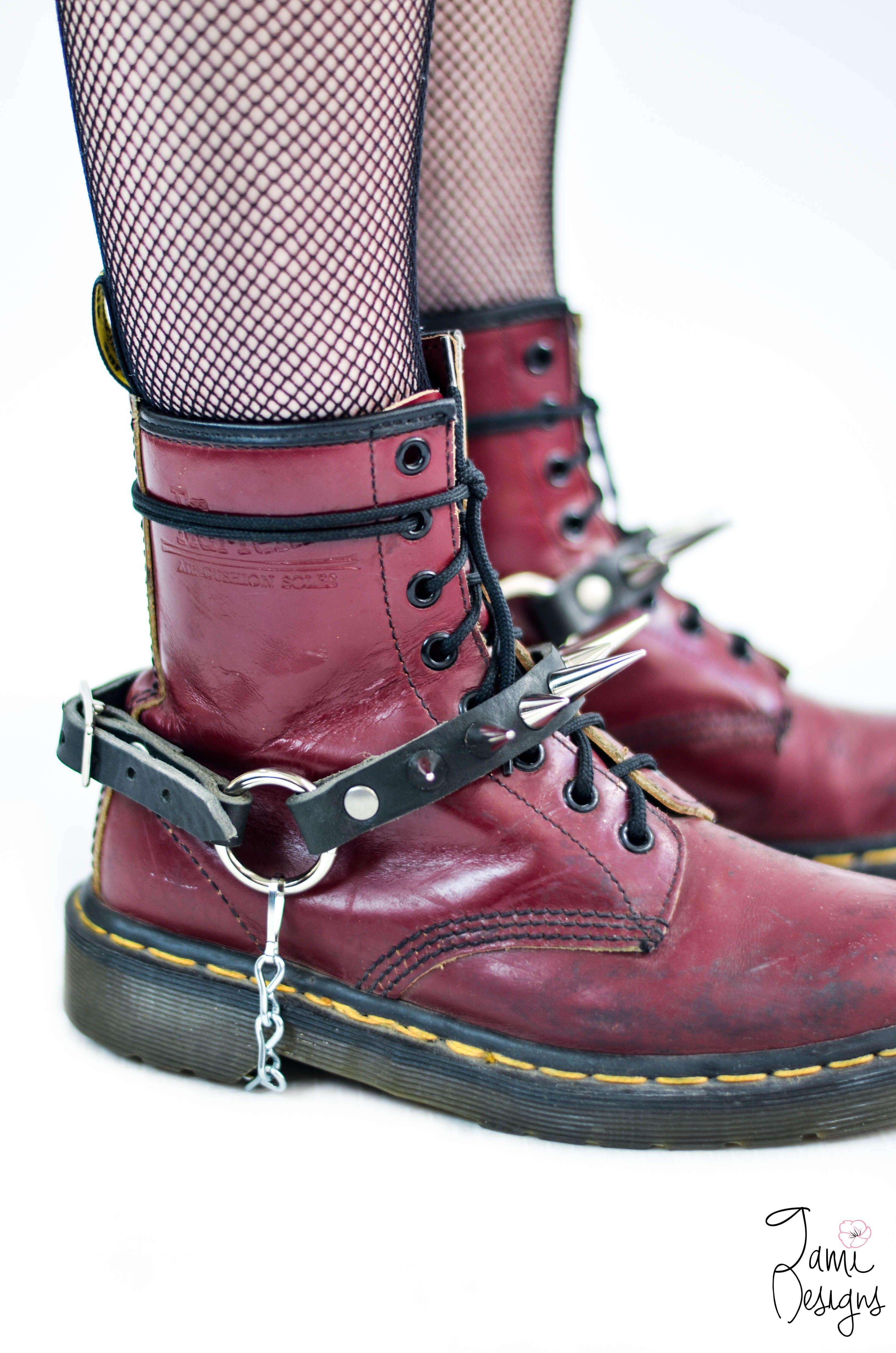2b257dc825dc35 The Micklow Bootstraps - Thumbnail 1