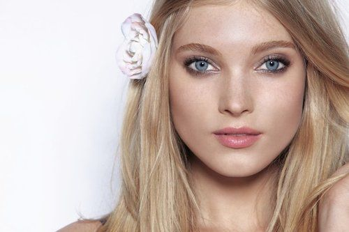 Swedish Women Are Popular Worldwide Tall Blond And With Amazing Blue Eyes They Certainly Draw The Attention Of Men And Elsa Hosk Hair Makeup Beauty Eternal