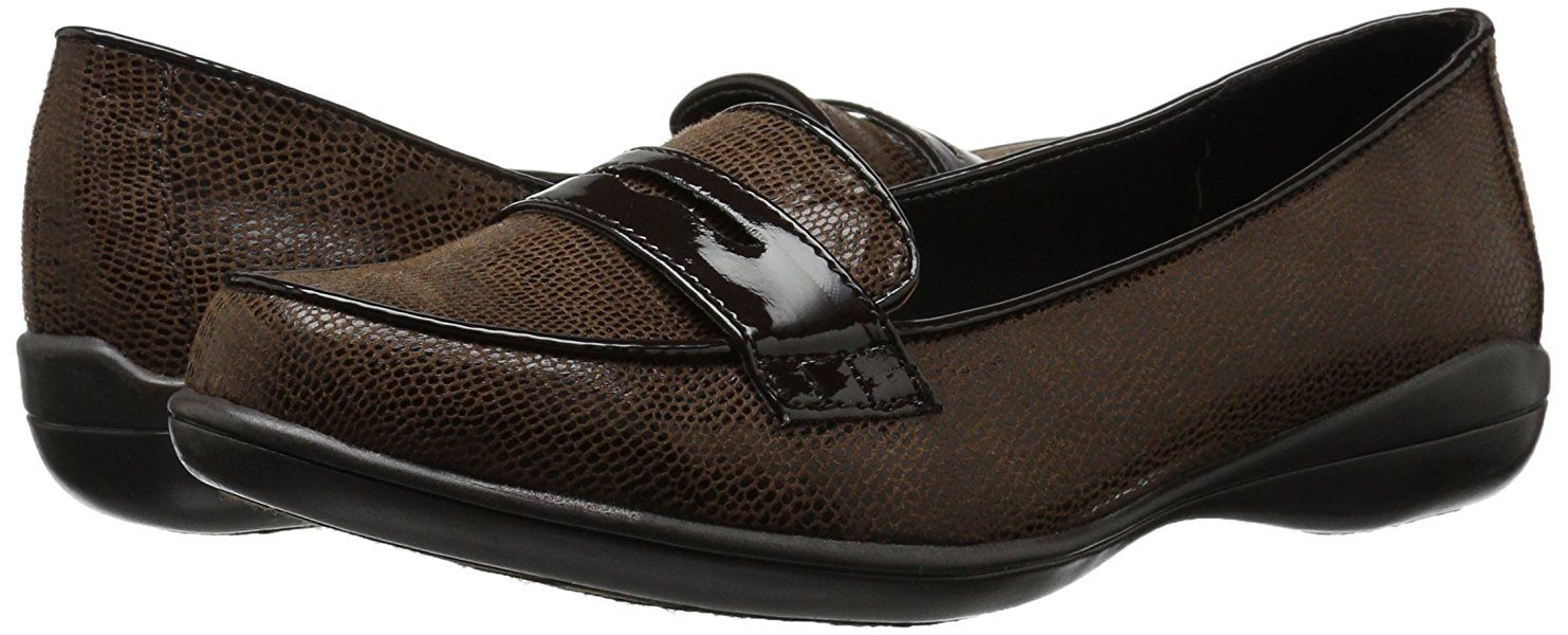 Amazon Com Soft Style By Hush Puppies Women S Daly Penny Loafer Dark Brown Lizard Patent 8 5 M Us Loafers Slip O Penny Loafers Flat Shoes Women Loafers
