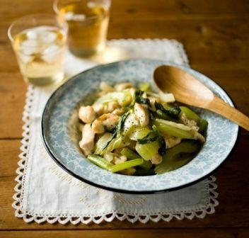 鶏とセロリのシャキシャキ塩炒め Food Recipes Food Vegetables