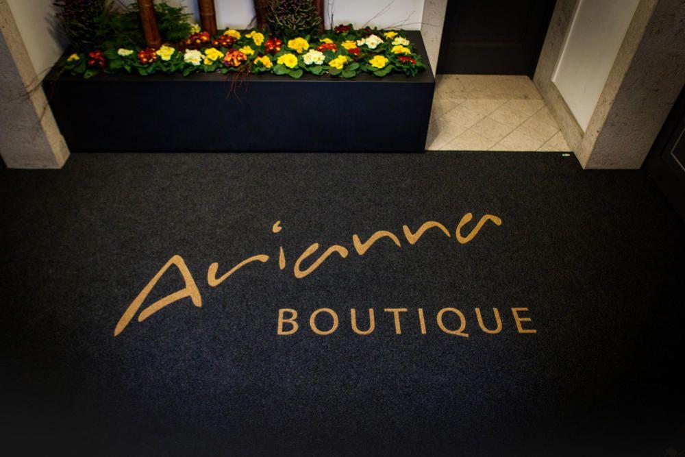 Boutique Carpet With Logo Inlayed Carpet Carpetitaly Carpetoutdoor Carpetindoor Bespokecarpet Personalize Printed Carpet Art Deco Furniture Interior Deco