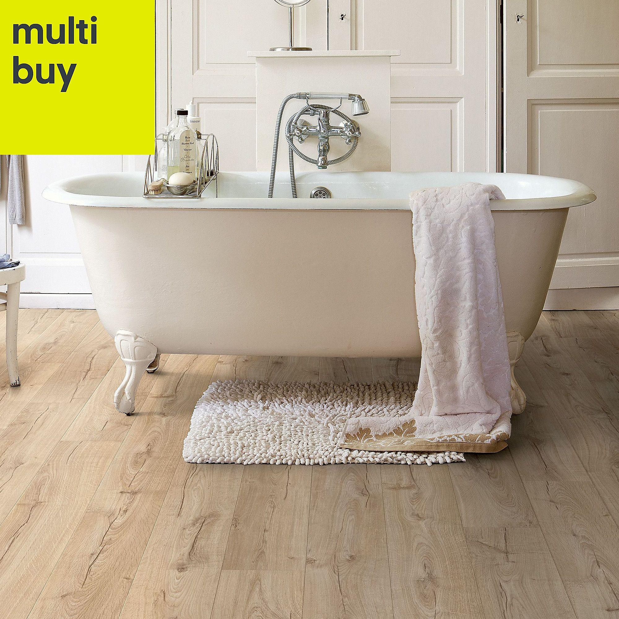 Quickstep Aquanto Natural Oak effect Laminate flooring, 1