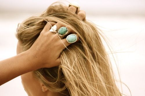 hair color and rings!