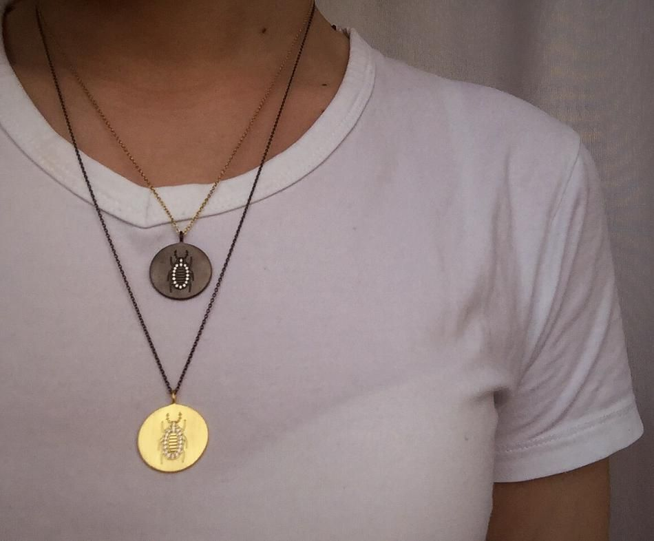 Mixed Metals #Hvisk #HviskStylist #Jewellery #Retro #Retrovibes #Wood #Stone #Rhodium #Gold #Diamonds #Pendant