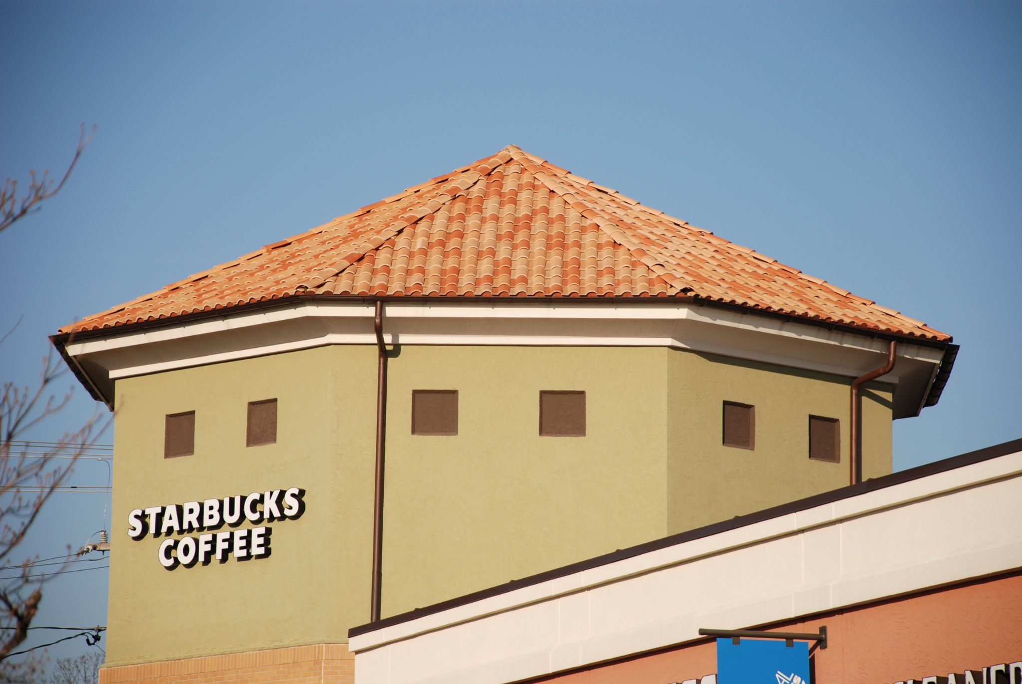 Boral Barcelona 900 roof tile on a Starbucks in Florida