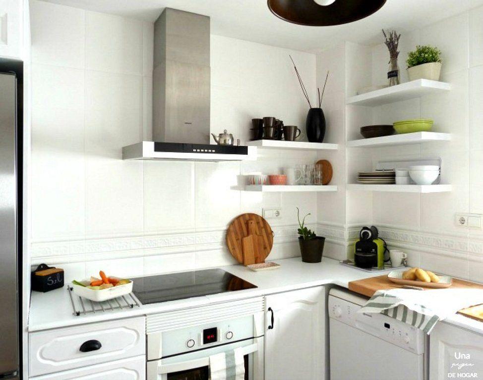 3 Trucos Para Renovar Tu Cocina Sin Invertir Mucho Dinero Reformar Cocina Sin Obras Pintar La Cocina Pintar Muebles Cocina