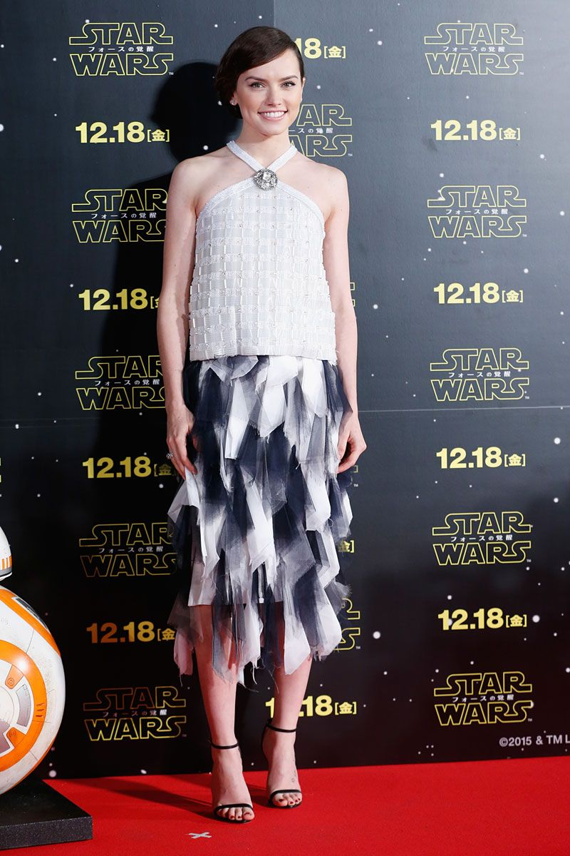 The Week In Celebrity Style See Who Made Our Top 10 Best Dressed List Red Carpet Fashion Magazine Daisy Ridley Daisy Ridley Star Wars Nice Dresses