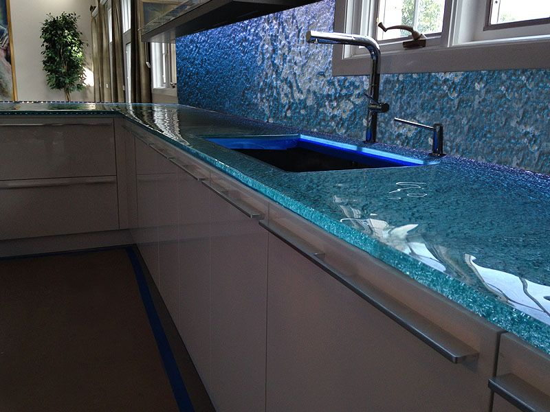 20 Gorgeous Glass Kitchen Countertops