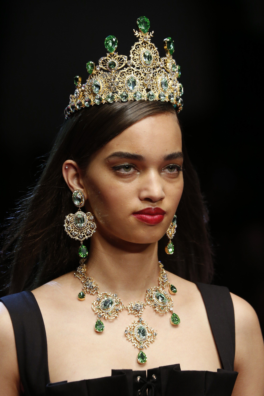 34f7c5d27f Dolce   Gabbana Spring 2018 Ready-to-Wear Accessories Photos - Vogue