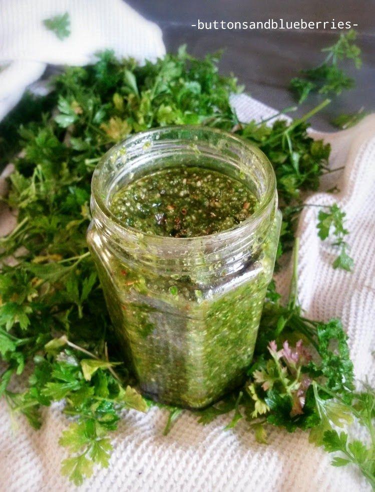 Pesto vegan ai semi di canapa, mandorle, prezzemolo fresco - easy vegan