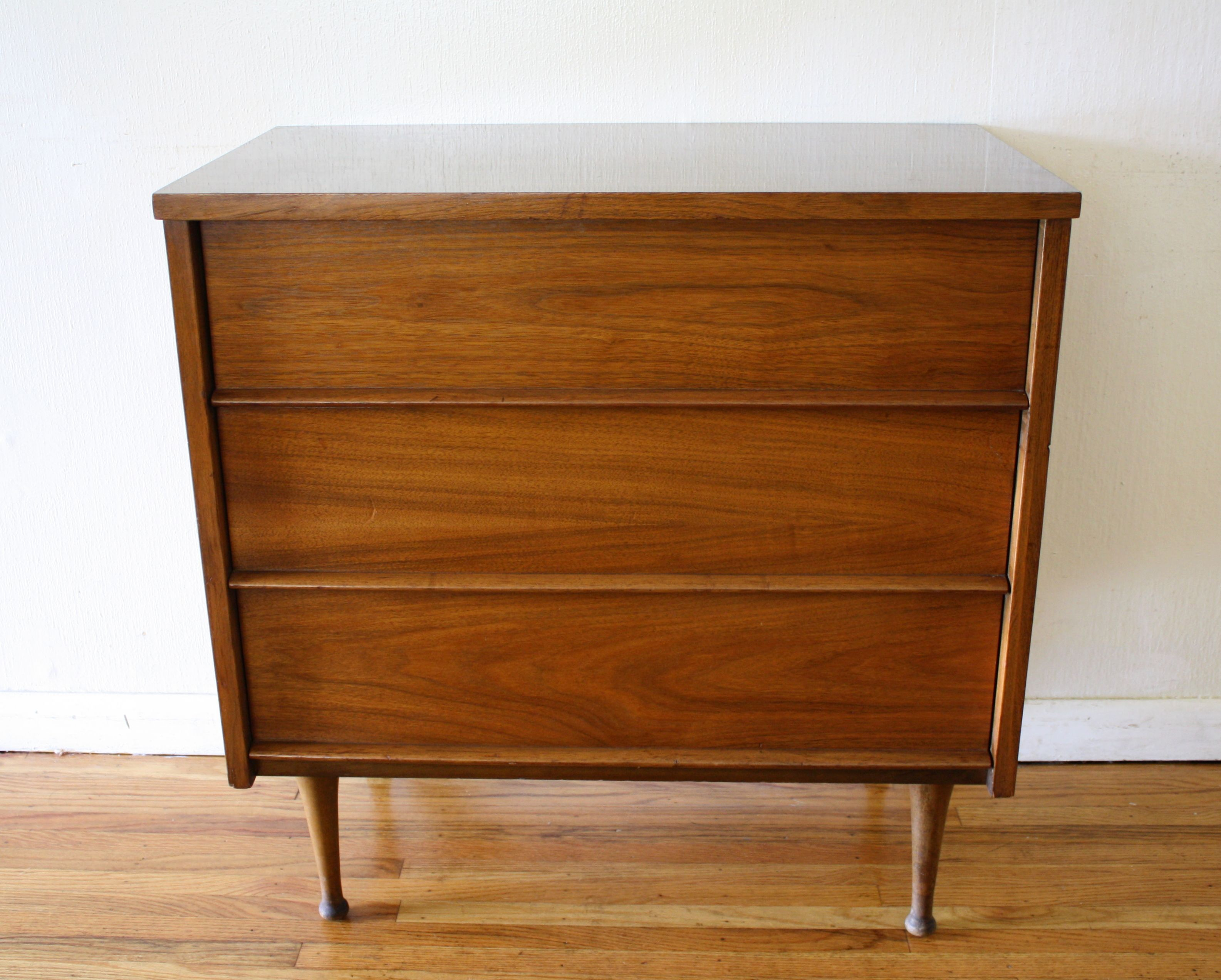 Mid Century Modern Streamlined Bachelor Dresser 3 Drawer Chest Drawers Mid Century