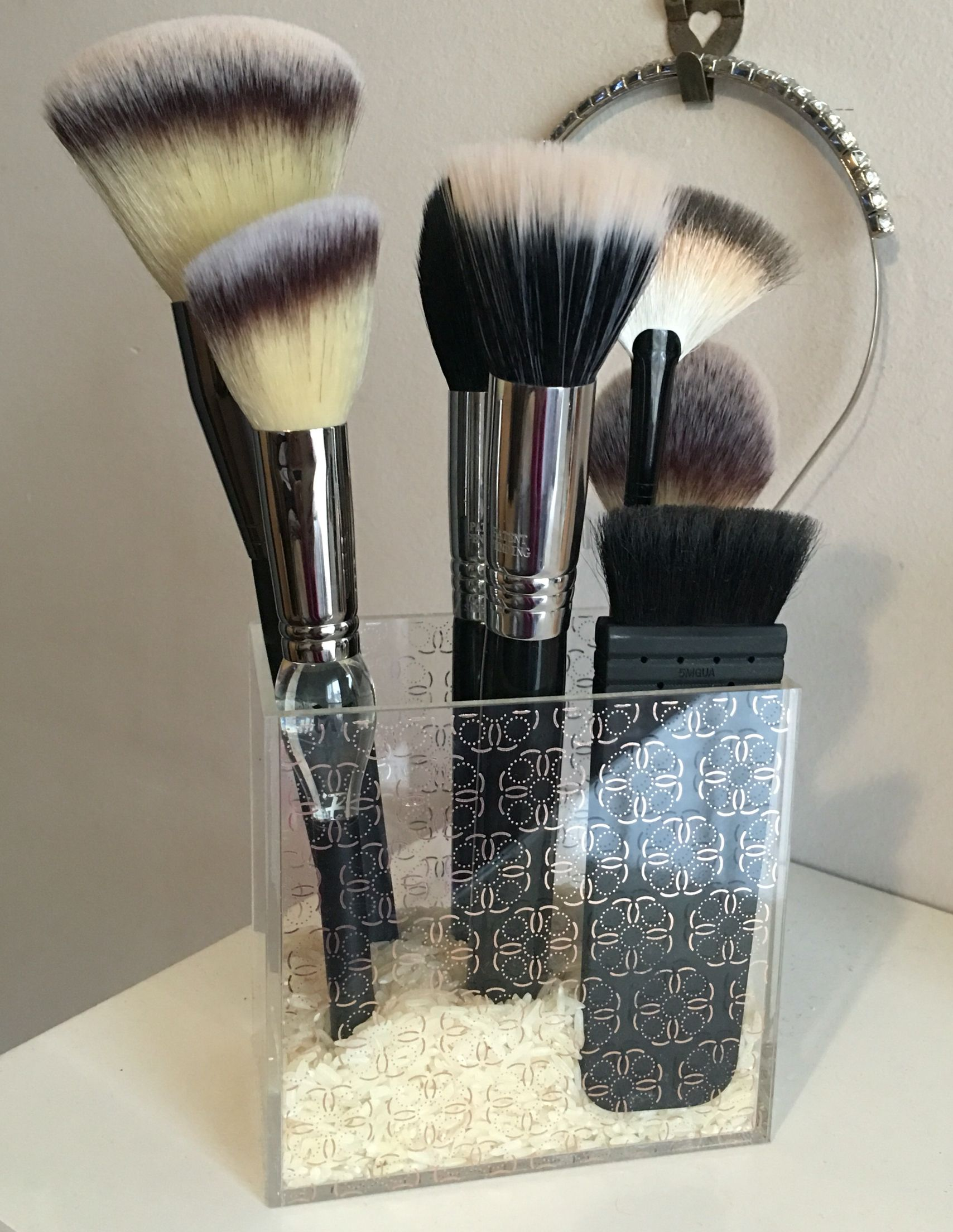 Zoeva Rose Gold Brush Holder. Perfect. Rose gold brushes