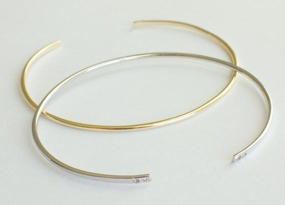 Bracelet or   2 pierres blanches