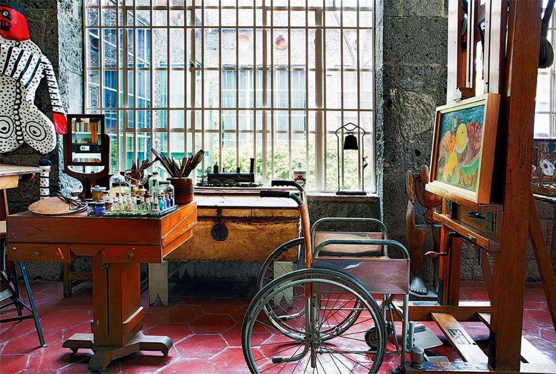 Estudio De Pintura En La Casa Azul Casa De Frida Kahlo Casas Azules Frida Kahlo Y Diego