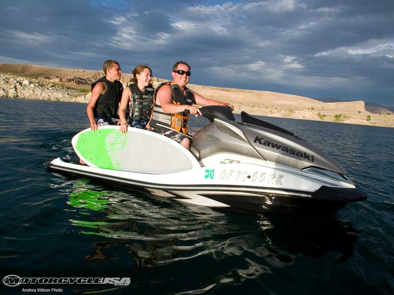 Jet ski in vegas lake mead httpimagesmotorcycleusa