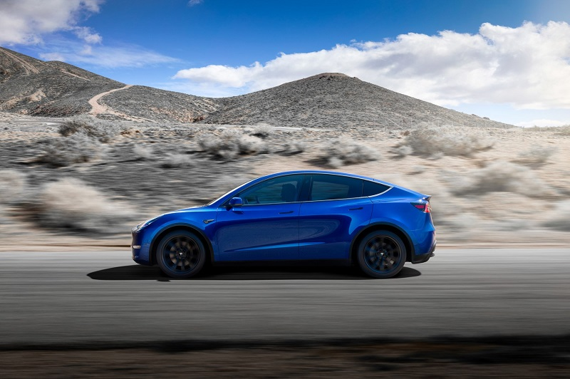 For The 2021 Tesla Model Y The Company Is Introducing The Standard Range Model With 40 000 Starting Price And A Range Of 230 Miles In 2020 Tesla Model Tesla Tesla Suv