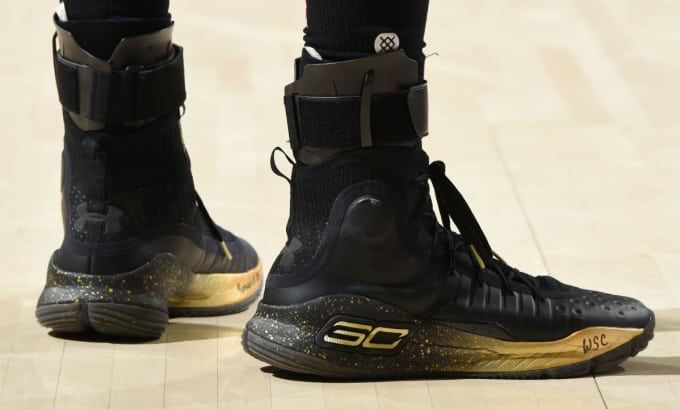 e83bfd43889 stephen-curry-under-armour-curry-4-black-gold-finals-pe (680×409 ...