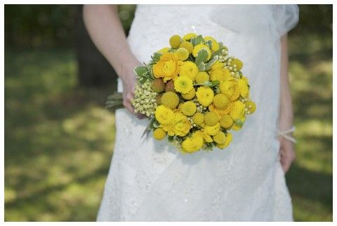 Rustic yellow wedding inspiration, photography by Bphotography, via Aphrodite's Wedding Blog