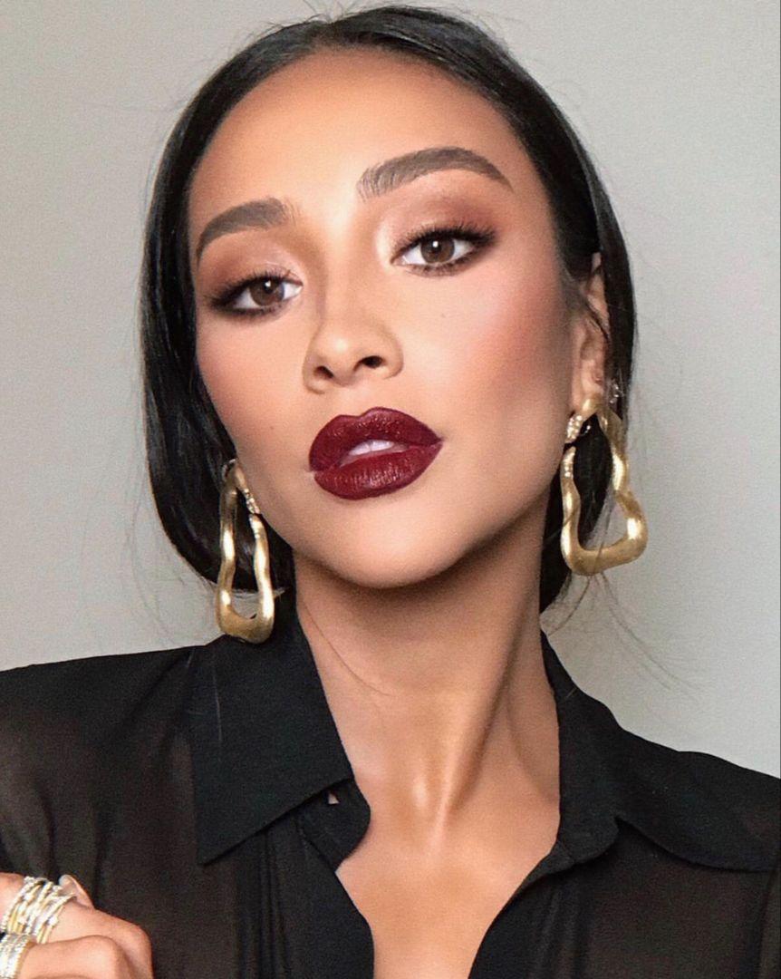 Statement Deep Red Lipstick Makeup Look Red Lipstick Makeup