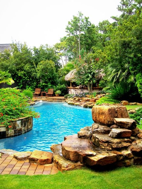 Pools Amazing Tropical Themed Pool Landscaping Ideas With Colorful Flowers In Stone Planter Rustic Wood Chaise Piscinas Piscinas Naturales Estanques De Jardin