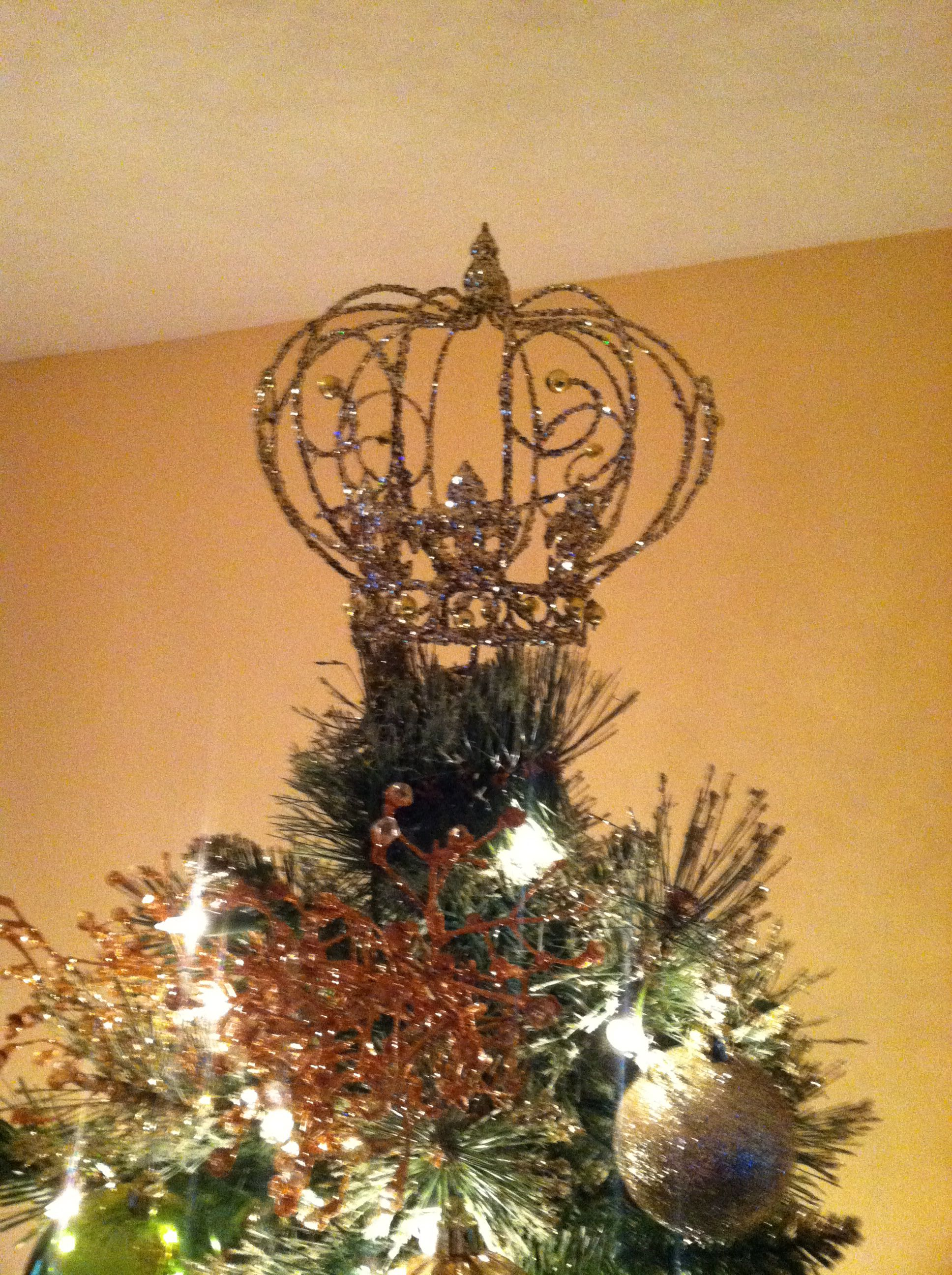 Instead Of An Angel A Simple Gorgeous Crown Atop A Tree