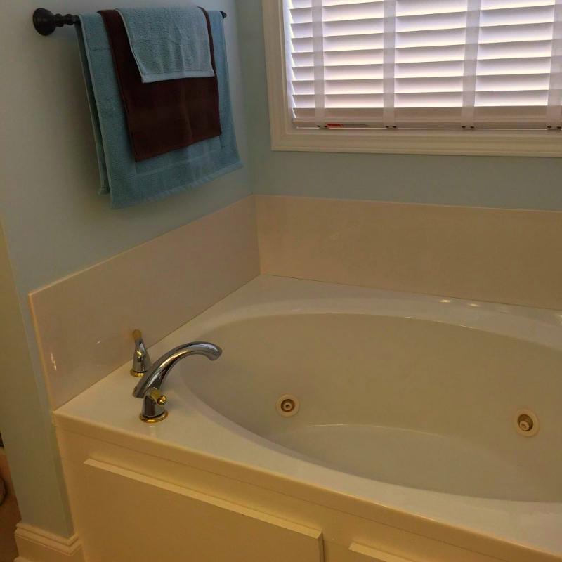 DIY Bathtub Makeover! | Pinterest | Bathtub makeover, Bathtubs and Tubs