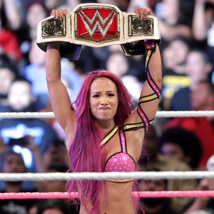 WWE Raw Womens Champion Charlotte Vs Sasha Banks