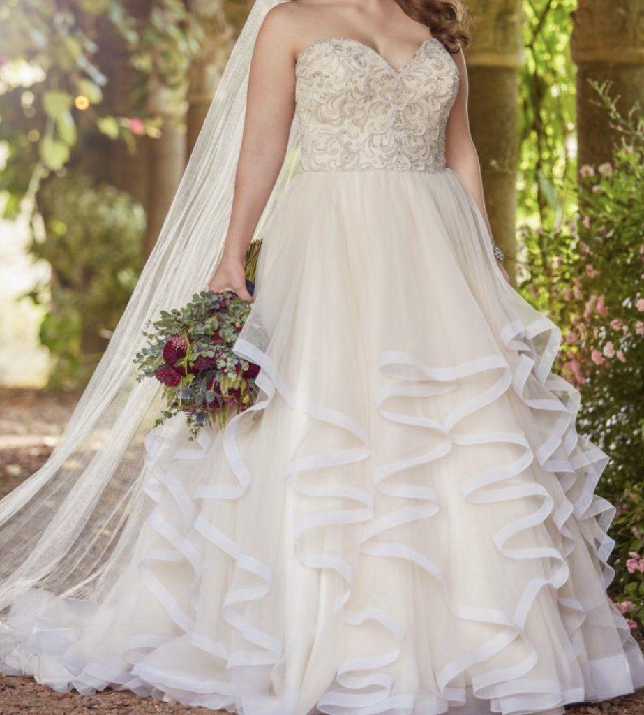 Essence Of Australia Ball Gown Size 16 New Wedding Dress Front View On Bride Wedding Dresses Wedding Dress Sizes Princess Ball Gowns [ 1024 x 923 Pixel ]