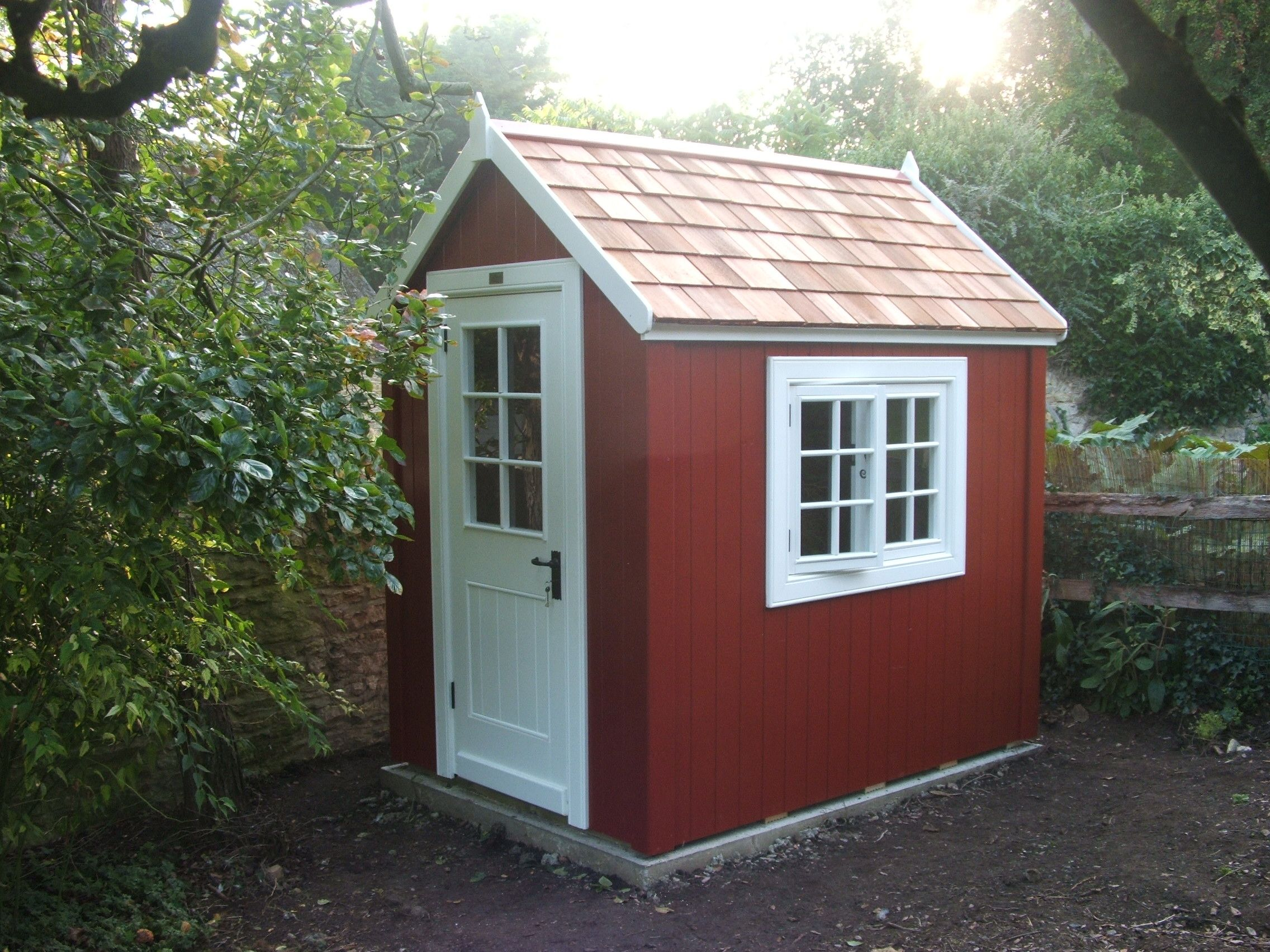 Beau 7ft X 5ft Potting Shed In Swedish Red And White With Cedar Roof