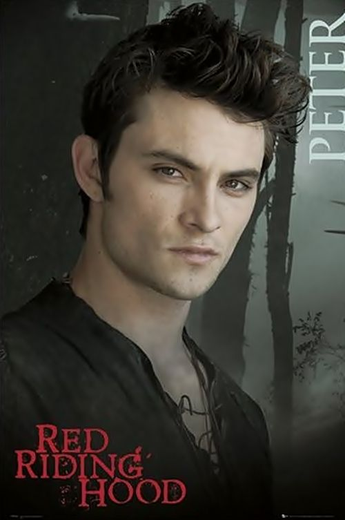 Shiloh Fernandez In Red Riding Hood Movie He D Make A Decent